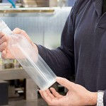 La primera botella de vino fabricada con bioplástico