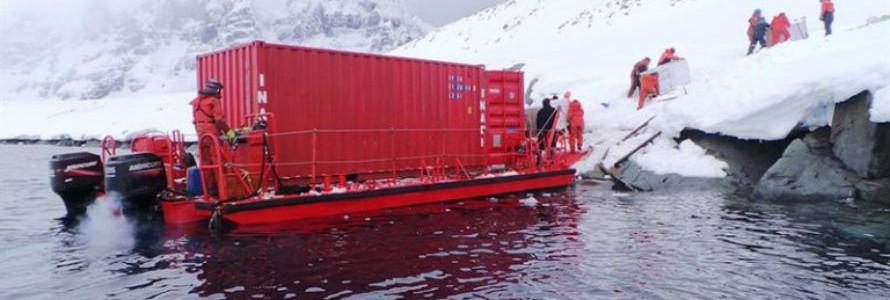 La Armada de Chile retira de la Antártida 200 toneladas de residuos