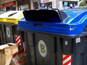 Los contenedores antirrobo de papel y cartón ya están probándose en distintos municipios