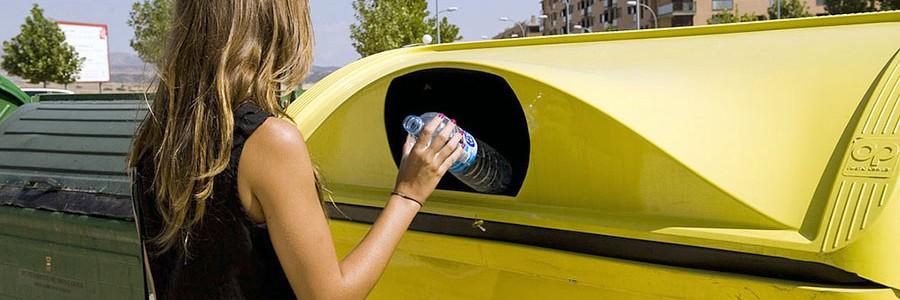 Los hogares españoles reciclaron 445.000 toneladas de plástico en 2015