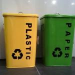 Los españoles disponen de media de tres cubos para reciclar en sus hogares