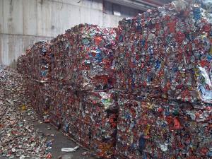 Envases de aluminio recuperados para su reciclaje