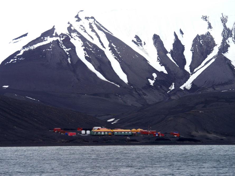 Base en Isla Decepción en donde se desarrollará proyecto SENTINEL. Fotografía: CSIC