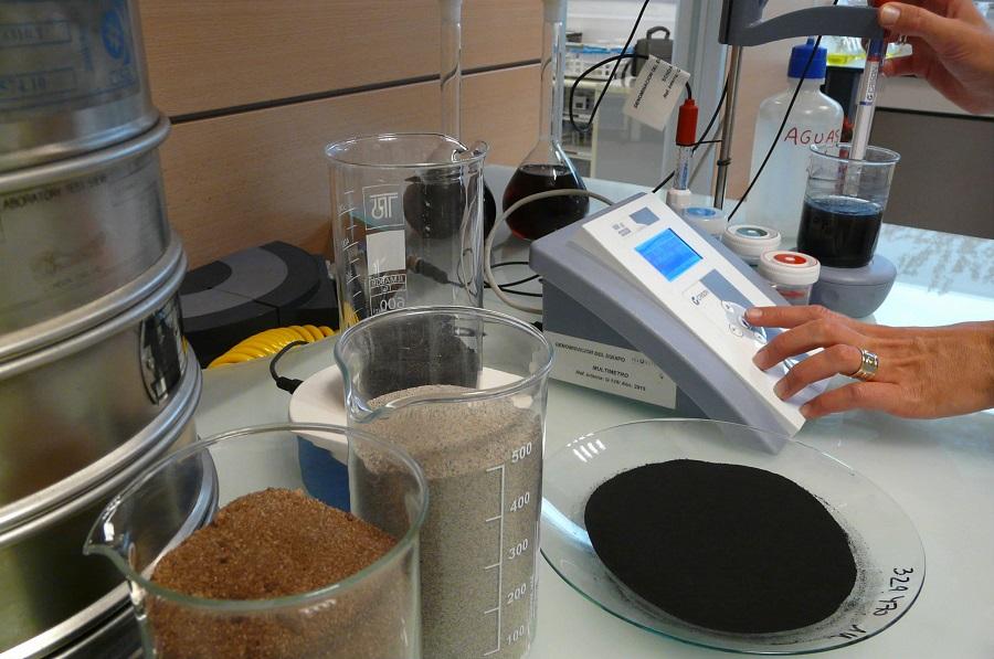 Investigan el uso de arenas residuales de fundición en la construcción