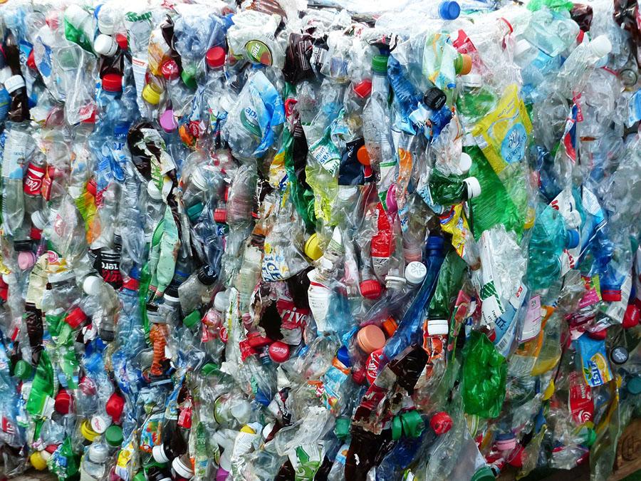 El Foro de Davos apuesta por reciclar el 70% de los envases de plástico