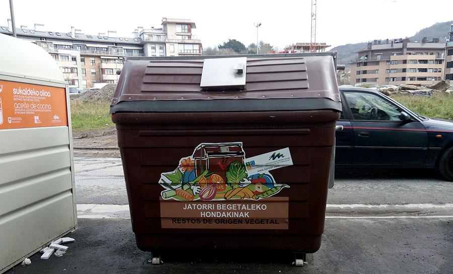 Contenedor de biorresiduos de origen doméstico