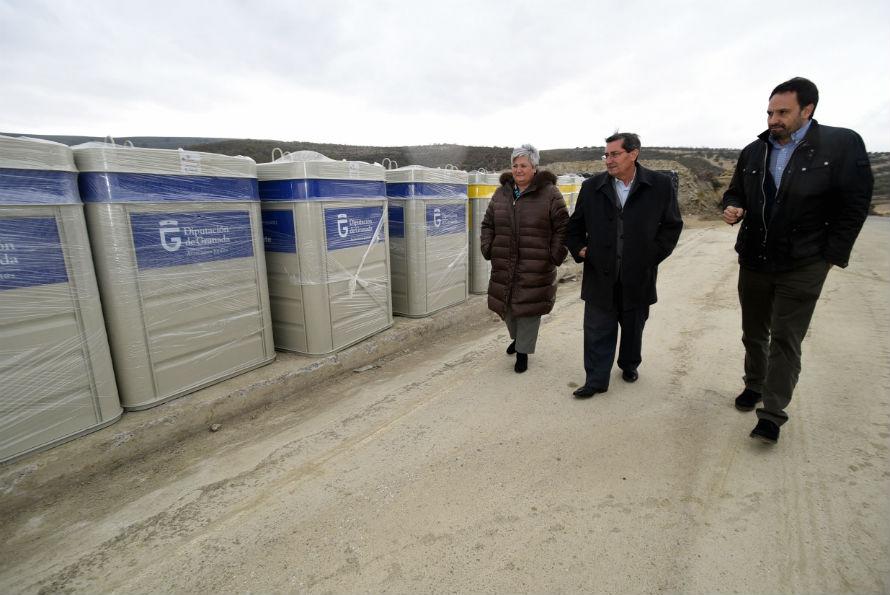 Dotación contenedores de reciclaje en Granada