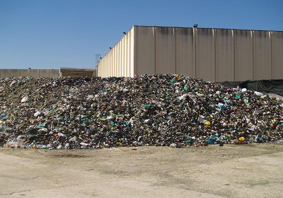 Informe de EAE Business School sobre la producción y gestión de residuos en España