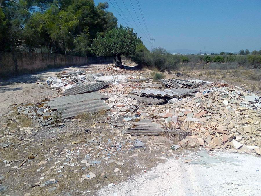 Escombros con residuos de amianto