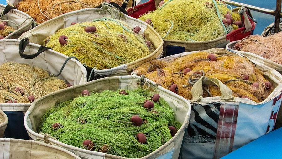 El proyecto Redcycle recupera las redes de pesca para usarlas como amteria prima en la fabricación de prendas técnicas
