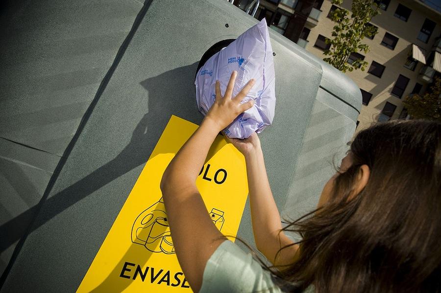 Los españoles depositaron más de 1,3 millones de residuos de envases en los contenedores de reciclaje
