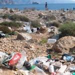 A menos bolsas de plástico, menos residuos en las playas