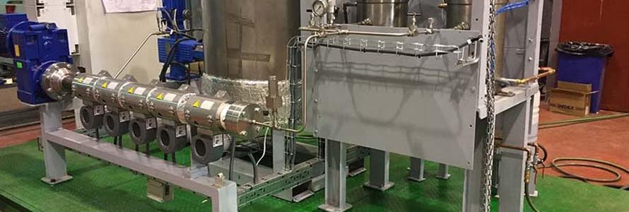 Desarrollan una planta piloto que convierte residuos cárnicos en biocombustible