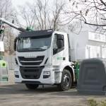 Nuevo sistema de carga bilateral 2Side System con contenedor de polietileno