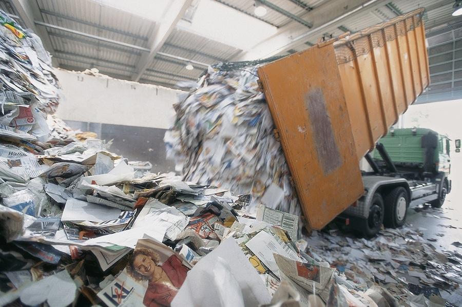 La industria papelera europea se marca un objetivo de reciclaje de papel del 74% en 2020