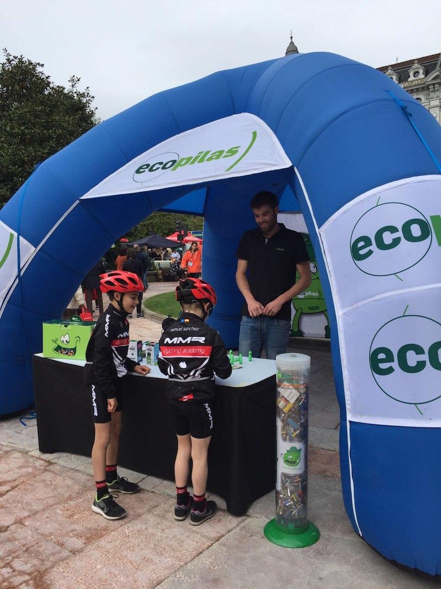 Reciclaje de pilas en la Vuelta a Asturias