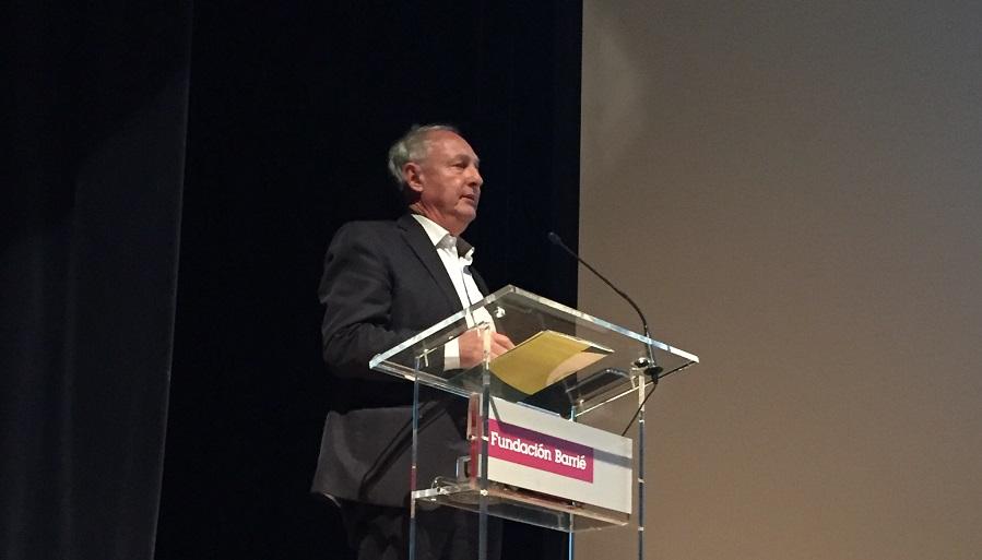 Jean Pierre Hannequart participó en la jornada sobre residuos y economía circular organizada por Sogama