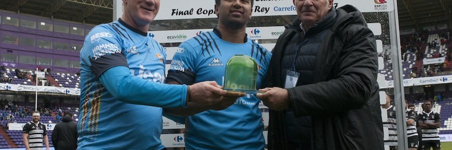 Un trofeo de vidrio reciclado en la final de la Copa del Rey de Rugby