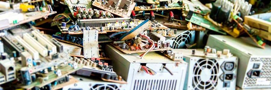 Extremadura exige la inspección acreditada por ENAC para la gestión de residuos de aparatos eléctricos y electrónicos
