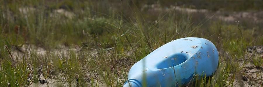 La falta de concienciación es la causa principal del abandono de residuos, según una encuesta de PlasticsEurope