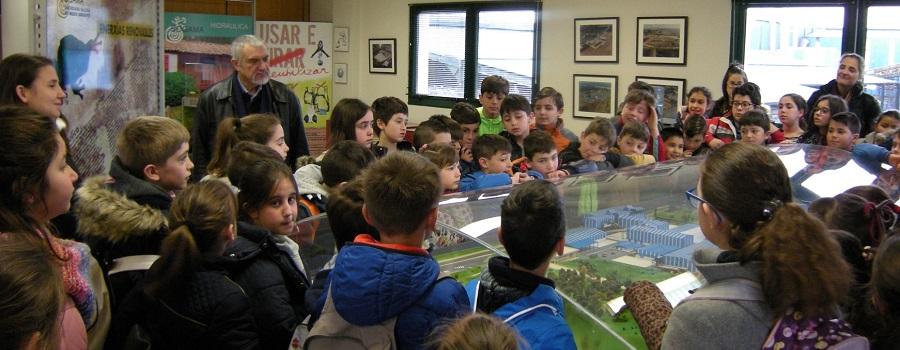 Visita de escolares a la planta de Sogama, integrada en Aeversu