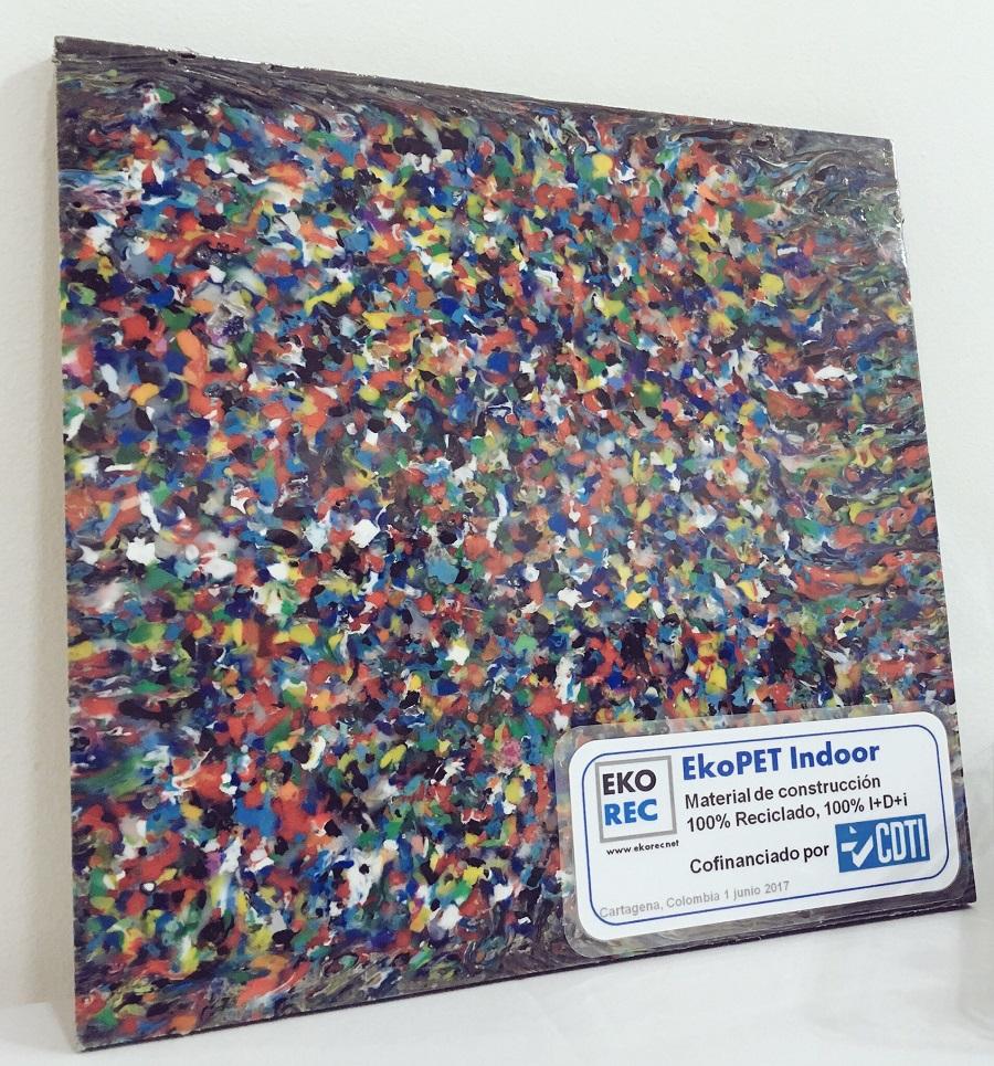 Baldosa de Eko-Rec, realizada con materiales 100% reciclados
