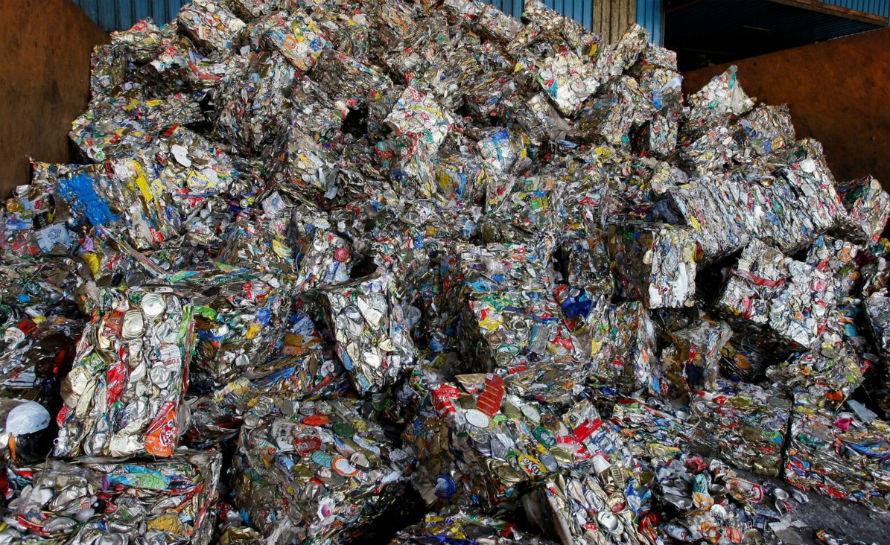 Acero recuperado de basura en masa