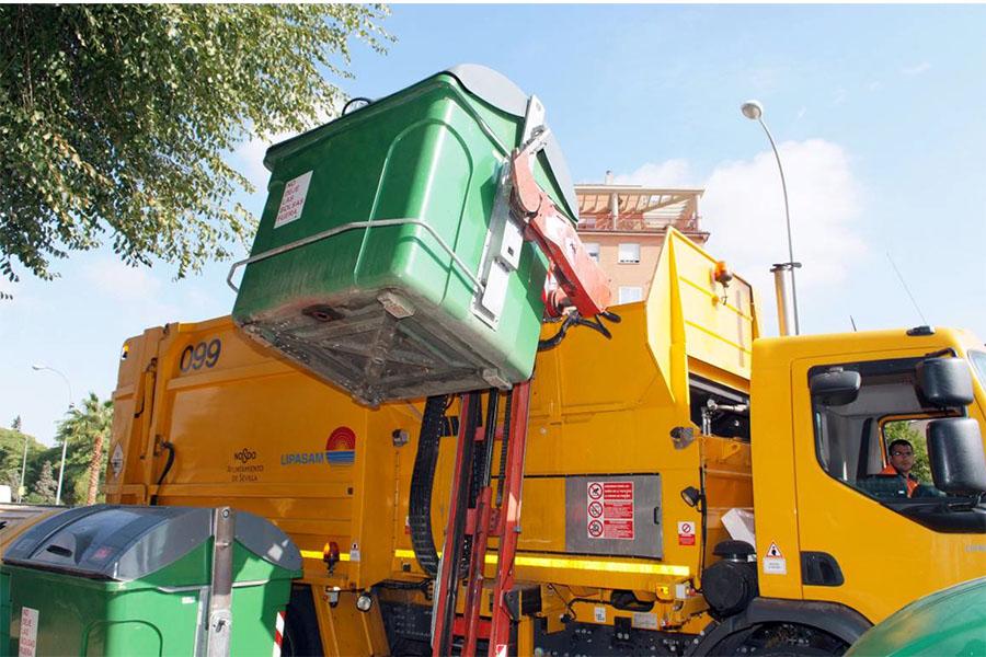 Lipasam adquiere nuevos camiones de recogida lateral de residuos