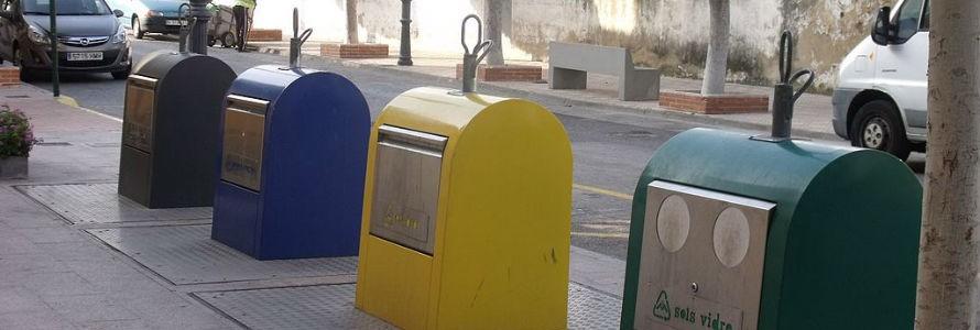 Valencia renueva el parque de contenedores de reciclaje de papel y envases