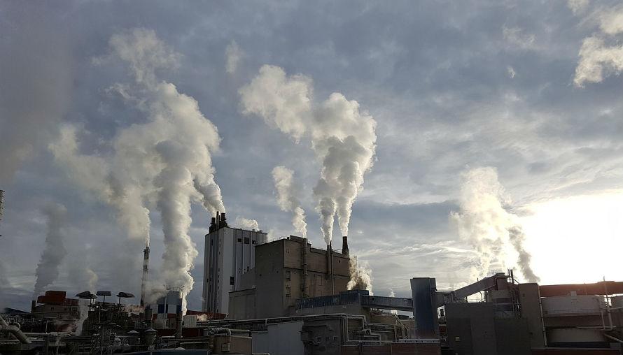 Emisiones de CO2 en una fábrica