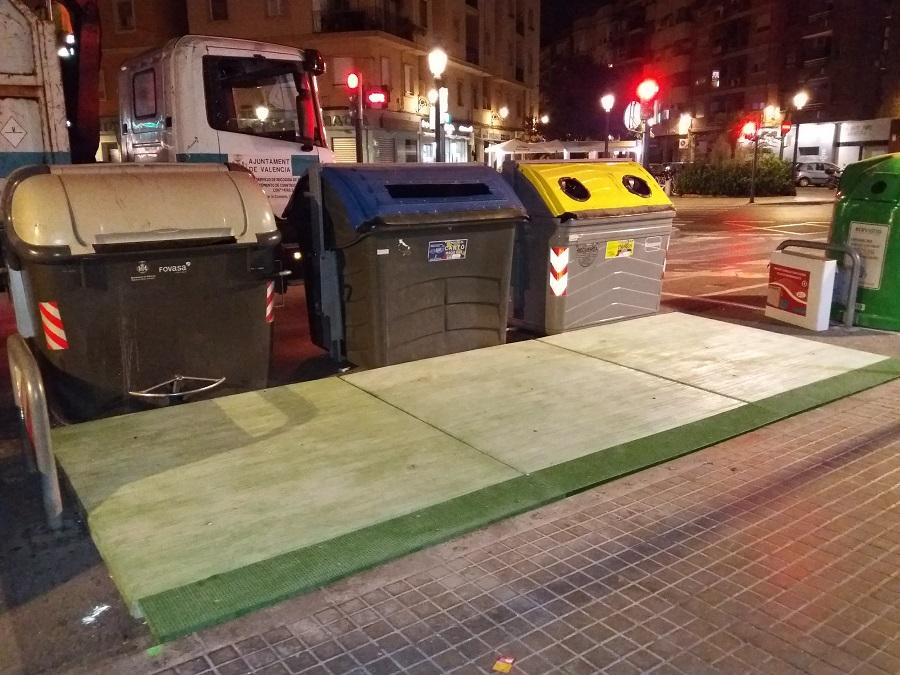 Valencia mejora la accesibilidad a los contenedores de residuos