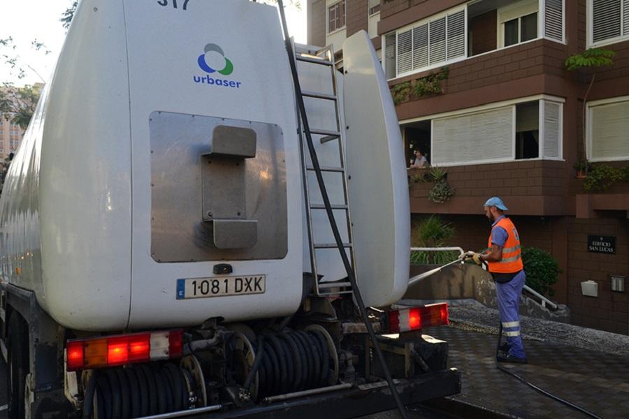 Santa Cruz de Tenerife aumentará la inversión en la limpieza y recogida de residuos de la ciudad