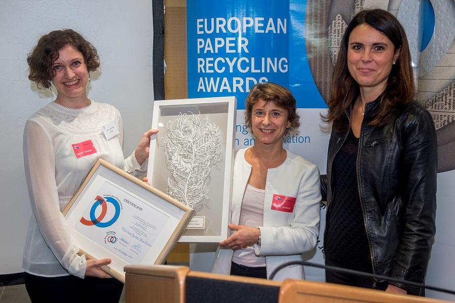 Entrega del European Paper Recycling Award a la iniciativa Pajaritas Azules