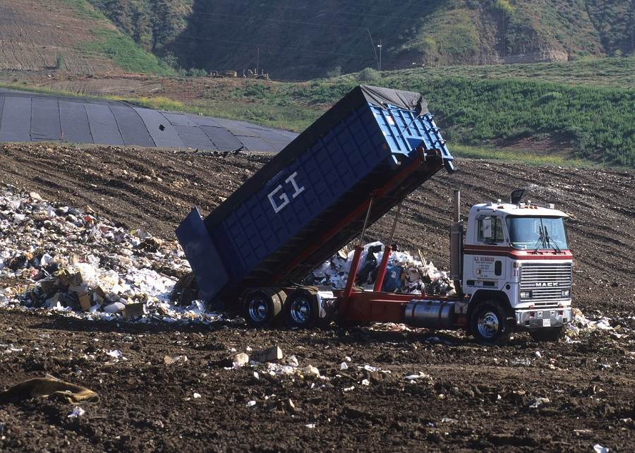 La norma afecta a actividades como el tratamiento de residuos peligrosos o la gestión de vertederos de residuos