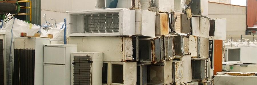 Alhama de Granada firma el convenio marco para el reciclaje de residuos de aparatos eléctricos y electrónicos