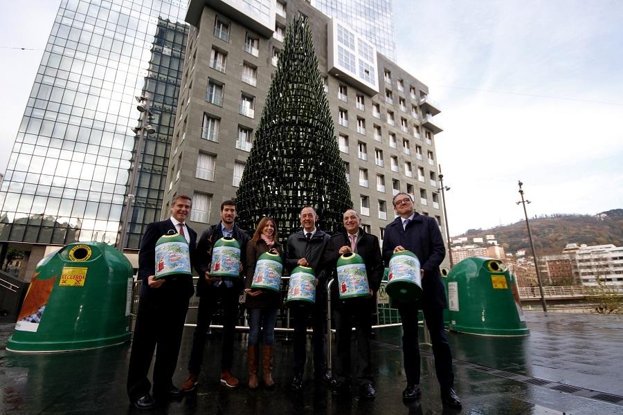 Presentación de la campaña solidaria de reciclaje de vidrio en Bizkaia