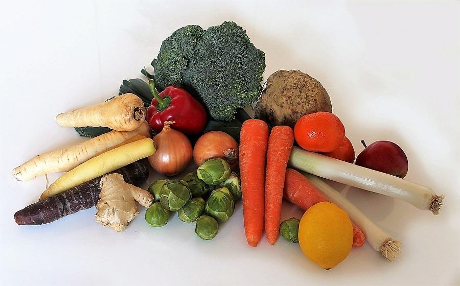 Frutas y verduras, los alimentos más desperdiciados en Aragón, junto con el pan