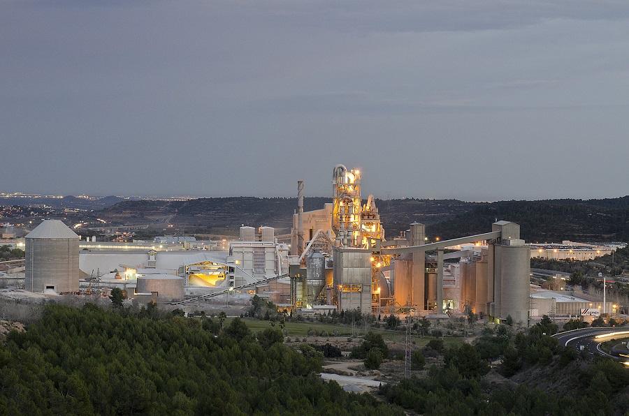 el sector cementero valenciano rechaza el impuesto a la valorización energética de residuos