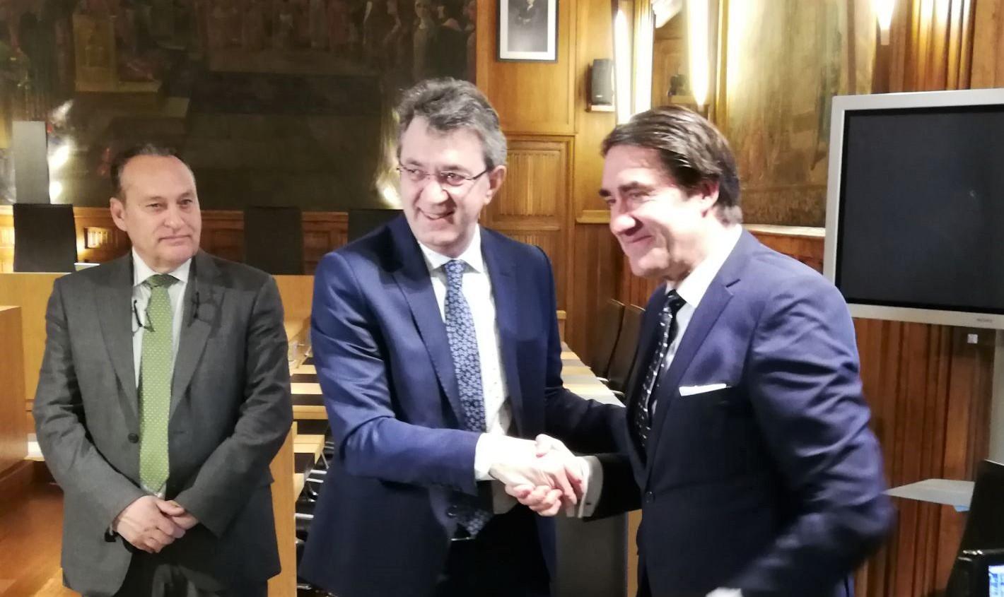 Diputación de León y Junta de Castilla y León firman un convenio para sellar las escombreras de la provincia