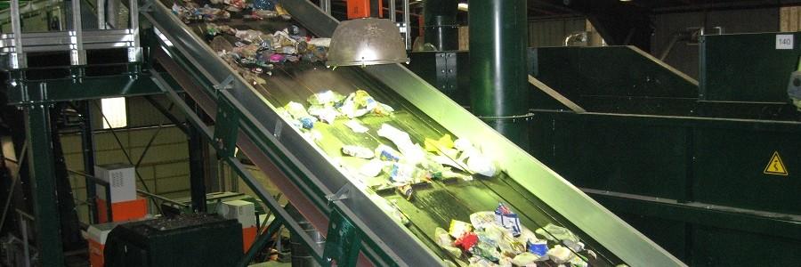 Sogama licita por 17,2 millones la gestión de su planta de clasificación de envases