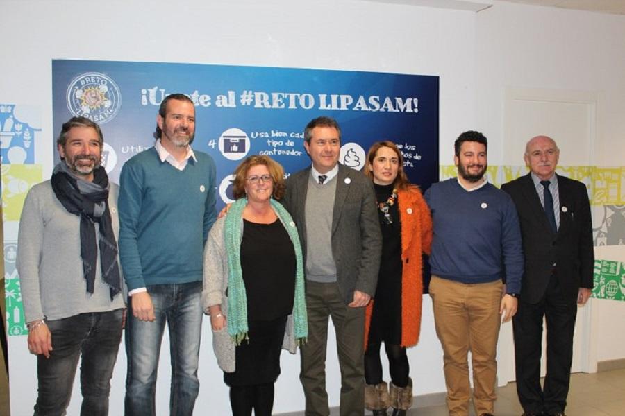 Sevilla invertirá en mejorar la recogida de residuos y el aseo urbano de la ciudad