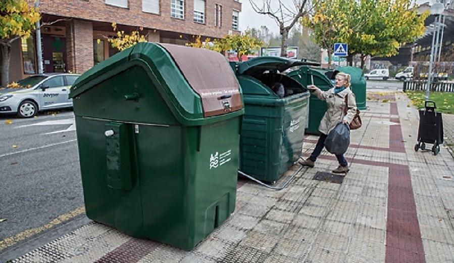 Contenedores de orgánica y resto en la Comarca de Pamplona