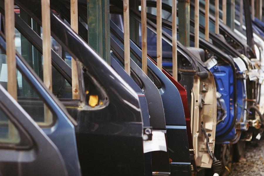 Piezas de vehículos fuera de uso