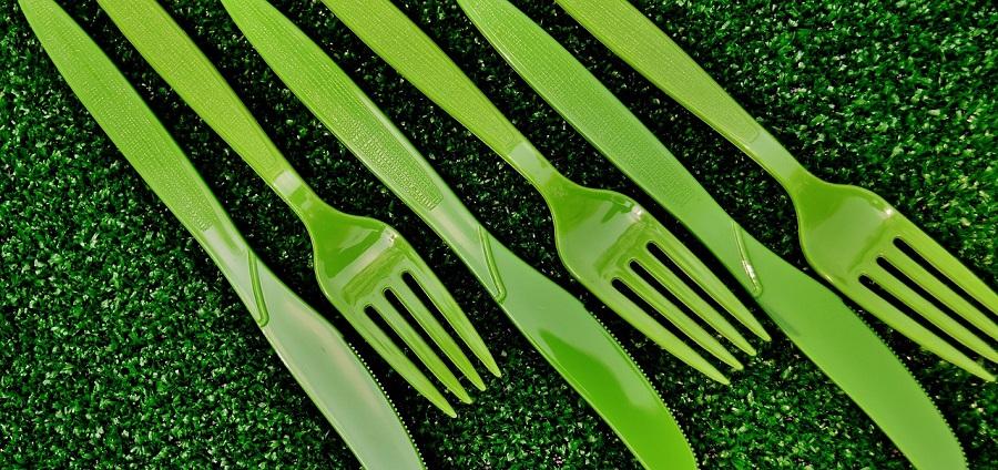 El objetivo del proyecto BIO+ es desarrollar maeriales compostables para bolsas y vajillas de un solo uso