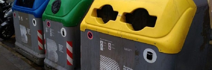 Barcelona amplía el uso del contenedor amarillo de envases a todo tipo de metales y plásticos