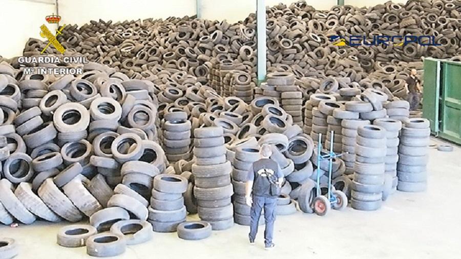 Desmantelada una trama que gestionaba ilegalmente neumáticos usados