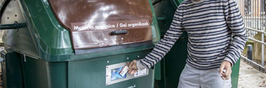 La Comarca de Pamplona ensaya el uso de tarjetas electrónicas personalizadas para abrir los contenedores de residuos