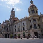 El Ayuntamiento de Valencia instala 7.000 papeleras de reciclaje en los edificios municipales