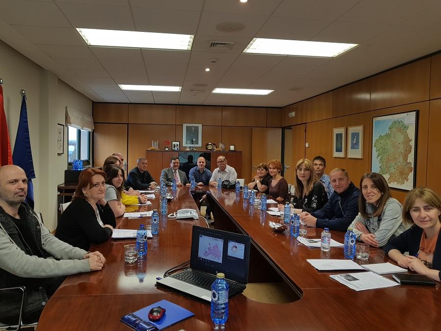 Técnicos de Georgia durante su visita a Sogama