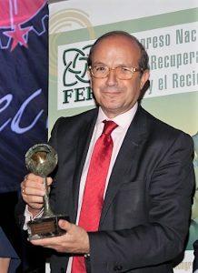 Daniel Calleja, director general de Medio Ambiente de la Comisión Europea, recibió el premio Madre Tierra
